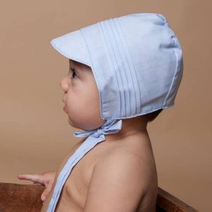 faire bonnet baby blue boy side