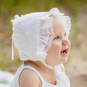 faire bonnet white heart baby